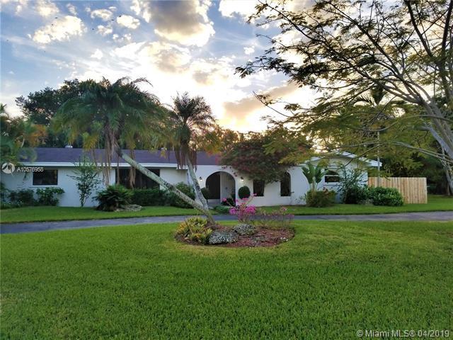 7800 SW 164th St, Palmetto Bay, FL 33157 (MLS #A10576958) :: Green Realty Properties