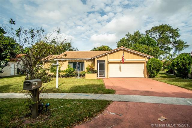 9811 NW 26th Court, Coral Springs, FL 33065 (MLS #A10586793) :: The Teri Arbogast Team at Keller Williams Partners SW
