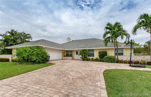17114 S.E. Kerry Ct., Tequesta, FL 33469 (MLS #A10594275) :: Grove Properties