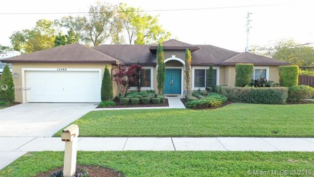 12480 SW 2nd St, Plantation, FL 33325 (MLS #A10610441) :: Prestige Realty Group