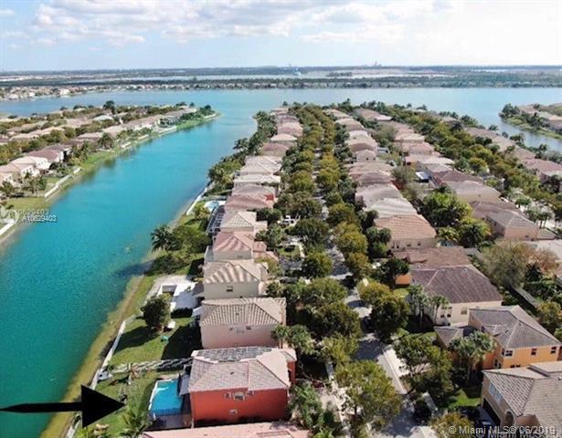 4911 SW 165th Ave, Miramar, FL 33027 (MLS #A10629403) :: Grove Properties