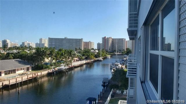 2829 NE 33rd Ct #405, Fort Lauderdale, FL 33306 (MLS #A10640482) :: The Teri Arbogast Team at Keller Williams Partners SW