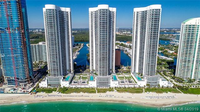 16001 Collins Ave #3205, Sunny Isles Beach, FL 33160 (MLS #A10643877) :: Laurie Finkelstein Reader Team