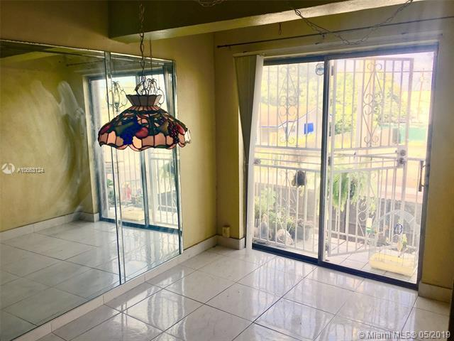 12500 NE 5th Ave #211, North Miami, FL 33161 (MLS #A10663124) :: The Riley Smith Group