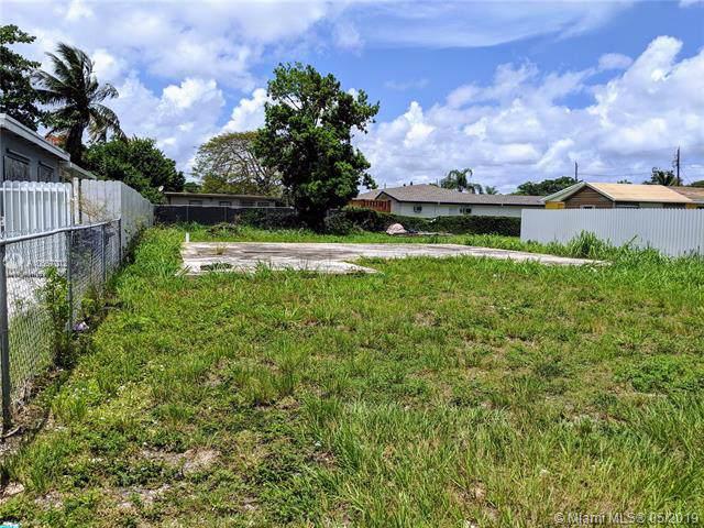 10327 SW 176th St, Miami, FL 33157 (MLS #A10667012) :: Grove Properties