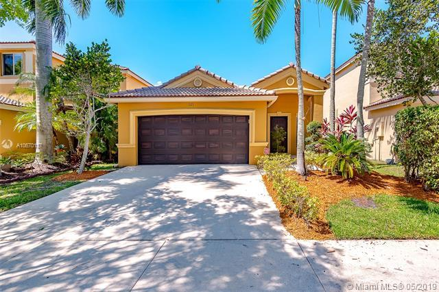 1121 Golden Cane Dr, Weston, FL 33327 (MLS #A10670137) :: RE/MAX Presidential Real Estate Group