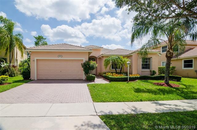 1125 NW 139th Ave, Pembroke Pines, FL 33028 (MLS #A10670233) :: Grove Properties