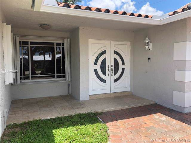 4090 SW 135th Ave, Miami, FL 33175 (MLS #A10680261) :: Grove Properties