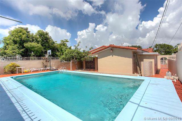 821 NW 35 Ct, Miami, FL 33125 (MLS #A10691520) :: Grove Properties