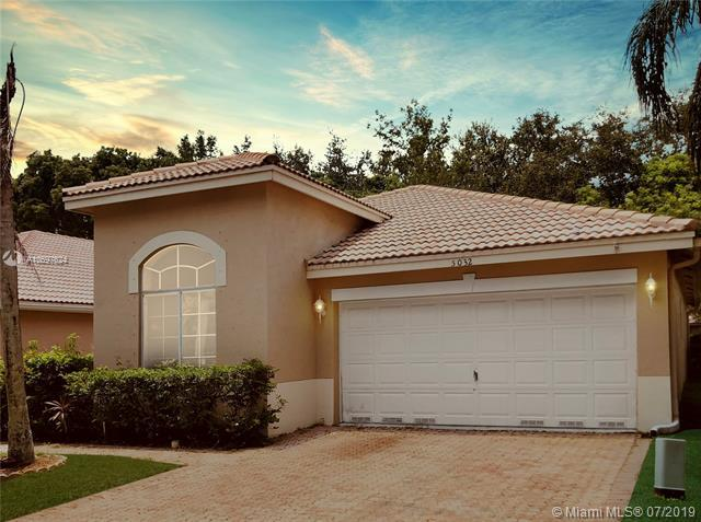 5032 Ibis Ct, Coconut Creek, FL 33073 (MLS #A10697624) :: Berkshire Hathaway HomeServices EWM Realty
