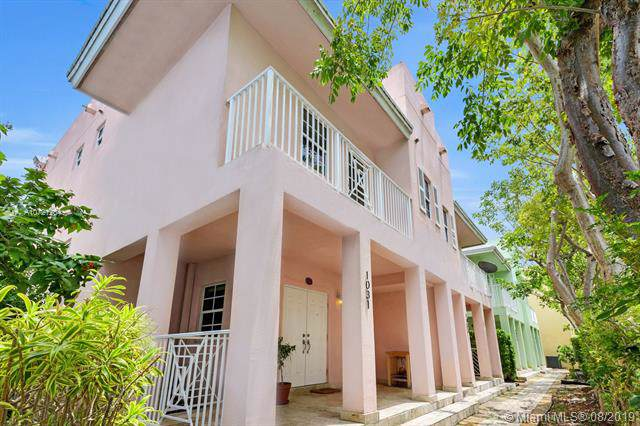 1031 SW 9th Ct M-1, Miami, FL 33130 (MLS #A10721204) :: Ray De Leon with One Sotheby's International Realty