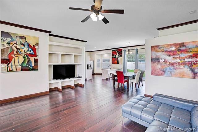 104 Waterview Way, Royal Palm Beach, FL 33411 (MLS #A10722722) :: Grove Properties