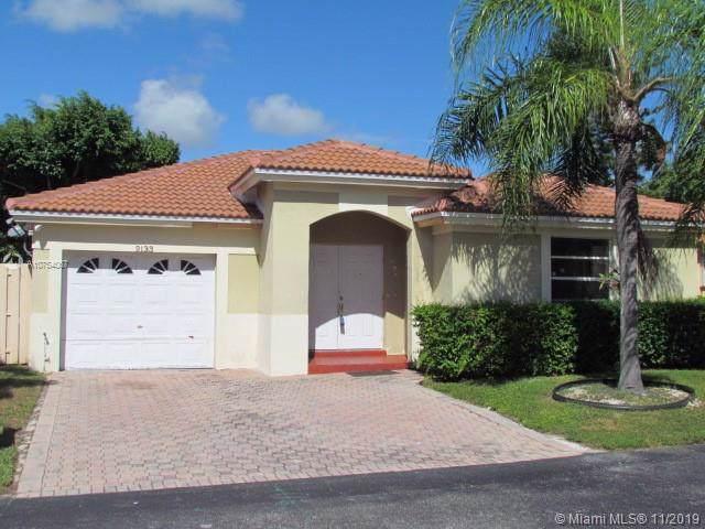 9133 SW 215th Ter, Cutler Bay, FL 33189 (MLS #A10754067) :: Patty Accorto Team