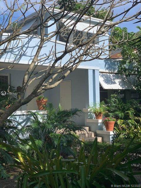 135 NE 45th St, Miami, FL 33137 (MLS #A10878487) :: Albert Garcia Team