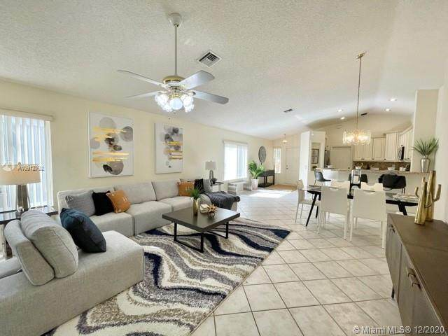 1339 Plumosa Way, Weston, FL 33327 (MLS #A10912792) :: Albert Garcia Team