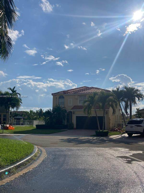 5188 SW 157th Ave, Miramar, FL 33027 (MLS #A11090710) :: The Pearl Realty Group