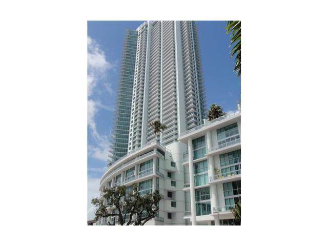 92 SW 3RD ST #4412, Miami, FL 33130 (MLS #A1831952) :: The Teri Arbogast Team at Keller Williams Partners SW