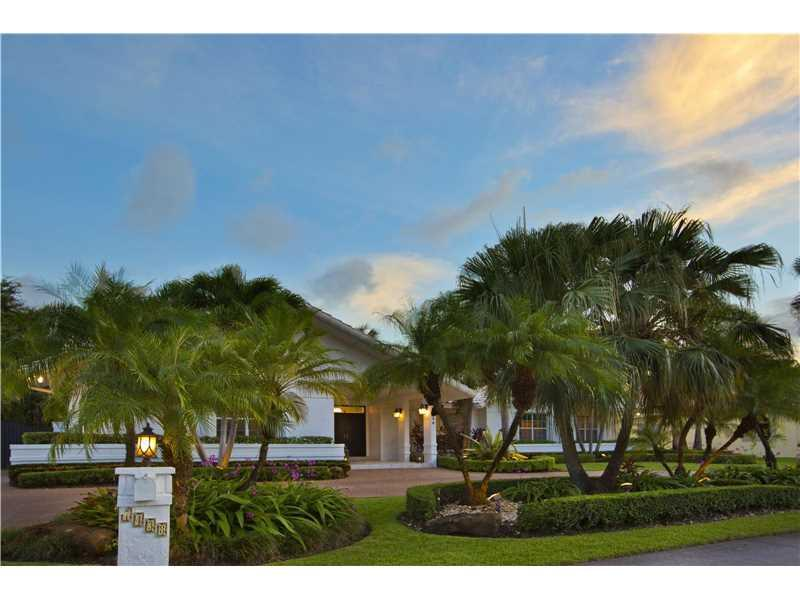 7438 SW 168 Ter, Palmetto Bay, FL 33156 (MLS #A10149111) :: United Realty Group