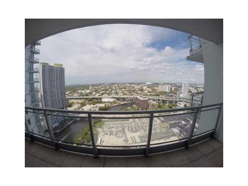 92 SW 3rd St #3308, Miami, FL 33130 (MLS #A10160382) :: United Realty Group
