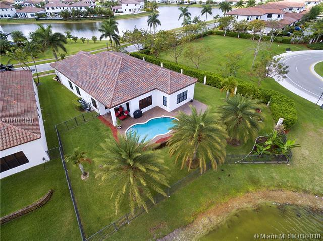 3789 NW 82nd Ter, Cooper City, FL 33024 (MLS #A10408368) :: Green Realty Properties