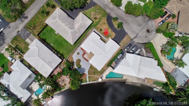 3340 NE 17th Way, Oakland Park, FL 33334 (MLS #A10437446) :: Green Realty Properties