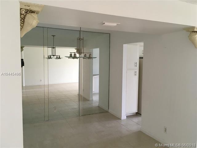 3871 VãƒâA Poinciana #104, Lake Worth, FL 33467 (MLS #A10445496) :: Green Realty Properties