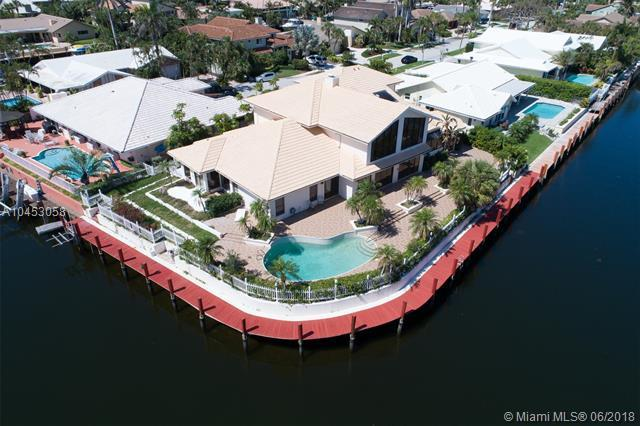 3021 NE 47th St, Lighthouse Point, FL 33064 (MLS #A10453058) :: The Teri Arbogast Team at Keller Williams Partners SW