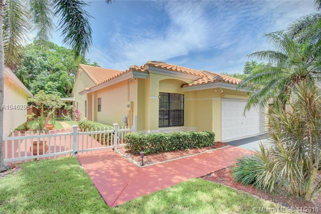 4175 NW 1st Court, Delray Beach, FL 33445 (MLS #A10462954) :: The Riley Smith Group