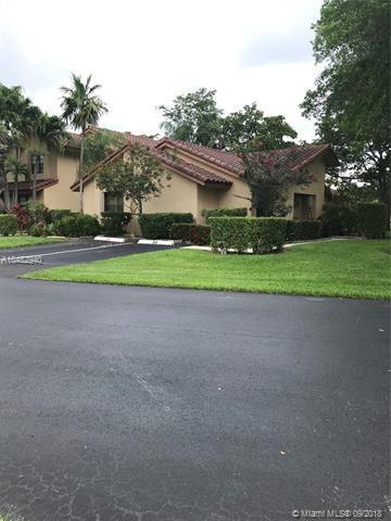 3109 Deer Creek Lake Shore Drive, Deerfield Beach, FL 33442 (MLS #A10482940) :: Green Realty Properties