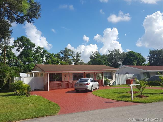 6841 SW 12TH ST, Pembroke Pines, FL 33023 (MLS #A10510214) :: The Rose Harris Group
