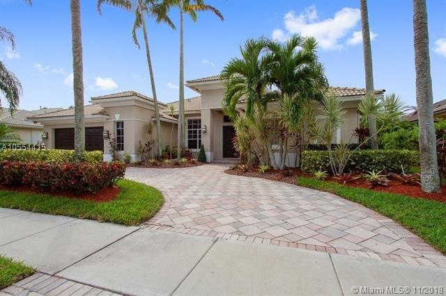 132 Swan Ave, Plantation, FL 33324 (MLS #A10554415) :: The Riley Smith Group