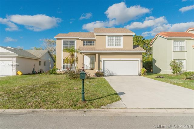 6833 Barnwell Dr, Boynton Beach, FL 33437 (MLS #A10572138) :: The Teri Arbogast Team at Keller Williams Partners SW