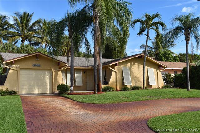 2045 N Waterway Dr, North Palm Beach, FL 33408 (MLS #A10607643) :: Grove Properties