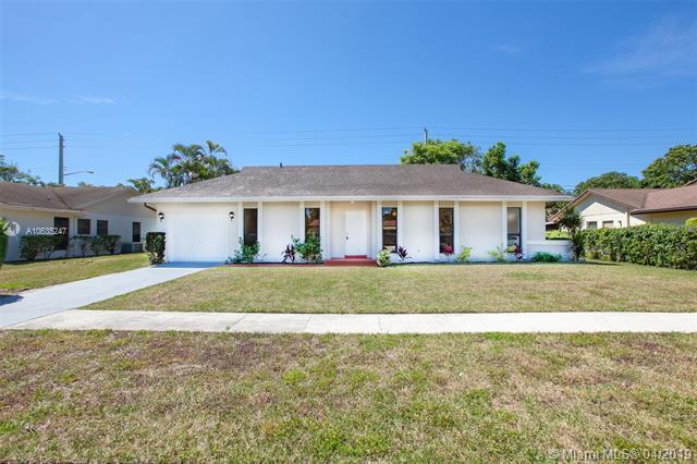 6374 Moonstone Way, Delray Beach, FL 33484 (MLS #A10635247) :: The Riley Smith Group