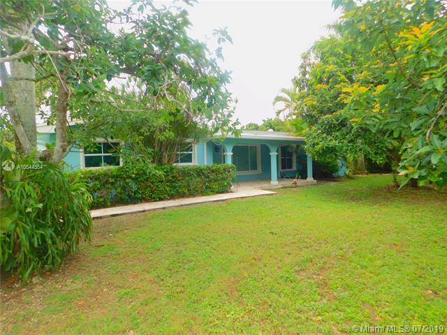 20105 SW 264th St, Homestead, FL 33031 (MLS #A10644554) :: Grove Properties