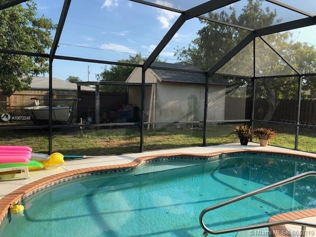 1107 SW Dorchester St, Port Saint Lucie, FL 34983 (MLS #A10672249) :: The Brickell Scoop