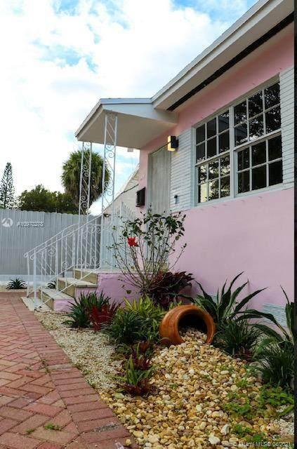 4485 SW 7th St, Miami, FL 33134 (#A10970278) :: Posh Properties