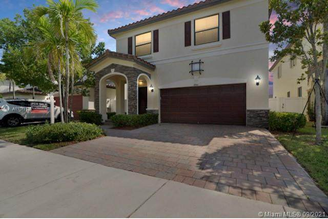 8841 W 34th Ct, Hialeah, FL 33018 (MLS #A11071135) :: The Pearl Realty Group