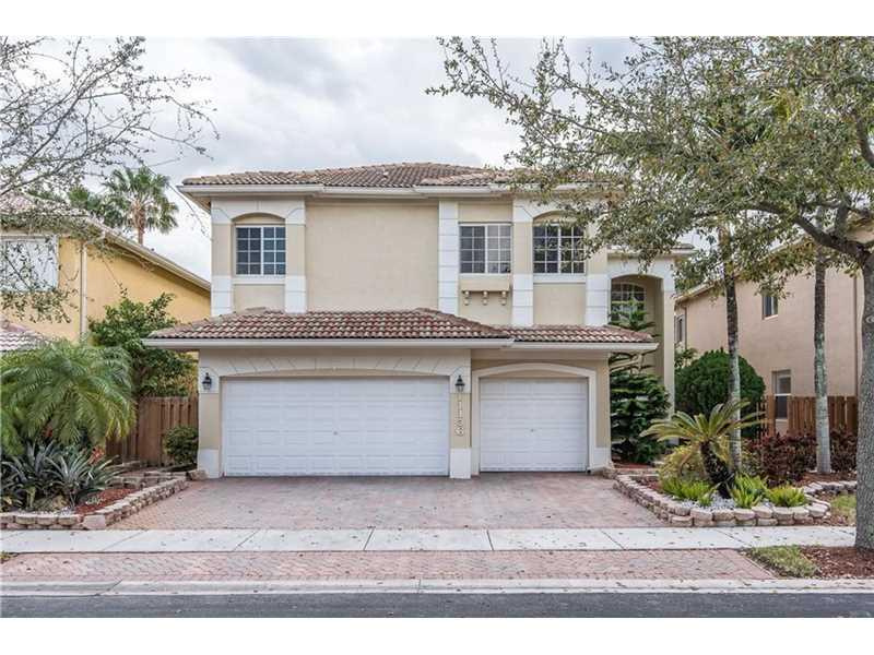 11136 NW 72 TE, Doral, FL 33178 (MLS #A2112948) :: United Realty Group