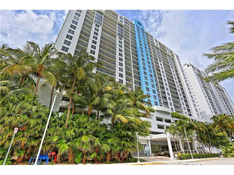 1800 Sunset Harbour Dr 2202/4, Miami Beach, FL 33139 (MLS #A10151605) :: United Realty Group