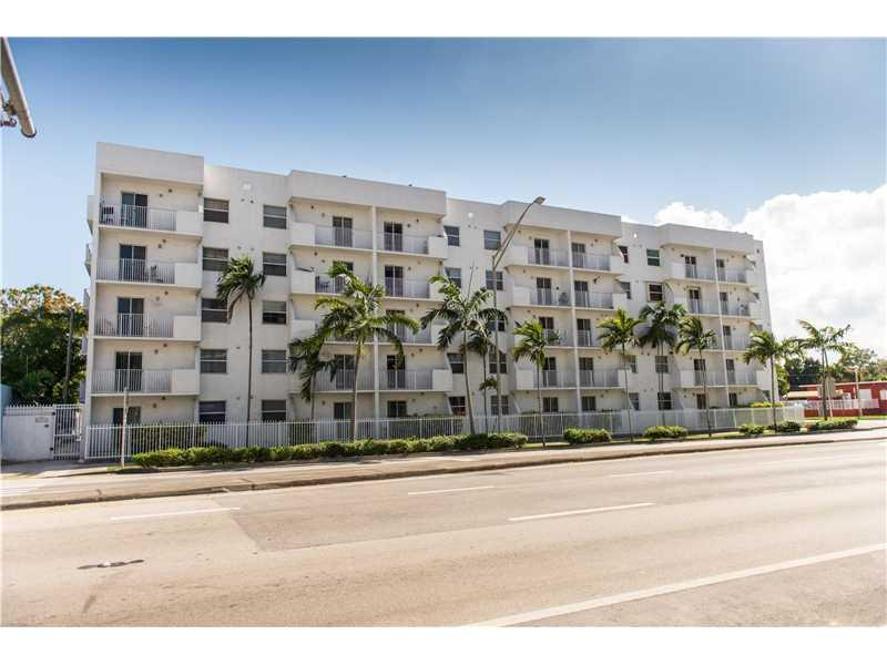2575 SW 27 Ave #305, Miami, FL 33133 (MLS #A10225277) :: The Riley Smith Group