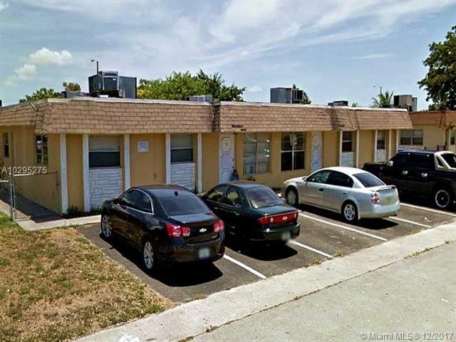 7731 SW 10th Ct, North Lauderdale, FL 33068 (MLS #A10295275) :: Stanley Rosen Group