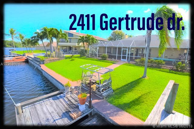 2411 Gertrude Dr, Lake Worth, FL 33462 (MLS #A10369071) :: Green Realty Properties