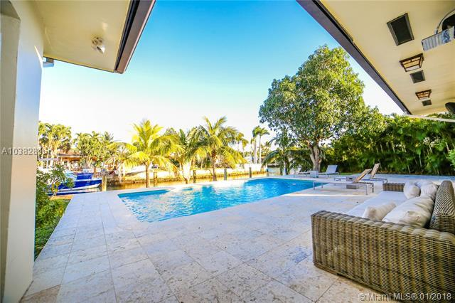 12985 Coronado Ter, North Miami, FL 33181 (MLS #A10382816) :: Green Realty Properties