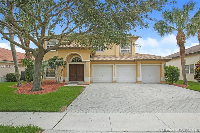 3704 Moon Bay Cir, Wellington, FL 33414 (MLS #A10493578) :: Green Realty Properties