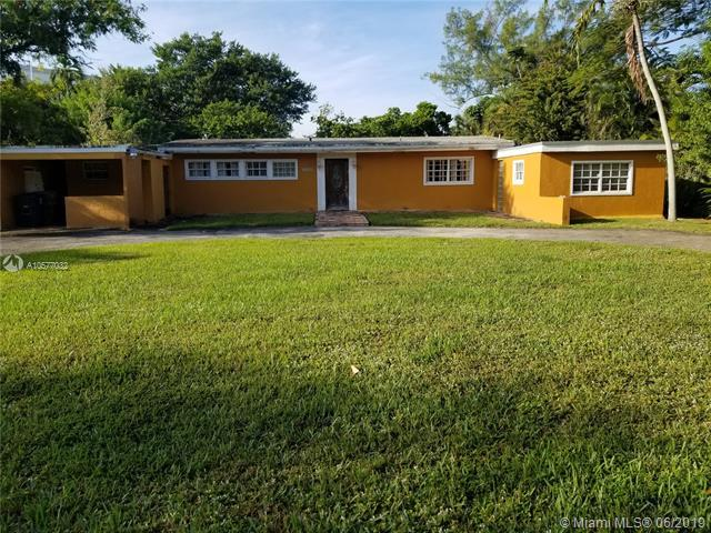 12500 NE Alamanda Dr, North Miami, FL 33181 (MLS #A10577032) :: The Teri Arbogast Team at Keller Williams Partners SW