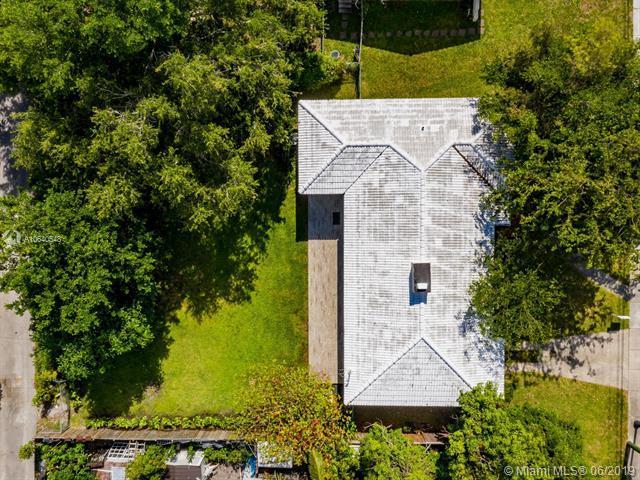 157 NW 103rd St, Miami Shores, FL 33150 (MLS #A10640548) :: Berkshire Hathaway HomeServices EWM Realty