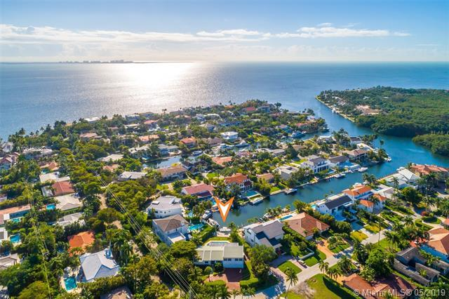 40 E Sunrise Ave, Coral Gables, FL 33133 (MLS #A10645633) :: The Maria Murdock Group