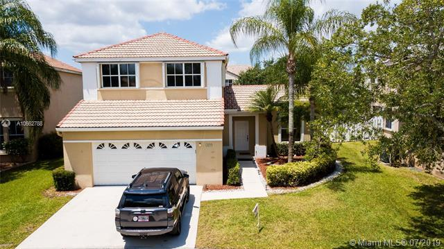 529 Carrington Dr, Weston, FL 33326 (MLS #A10662788) :: Grove Properties