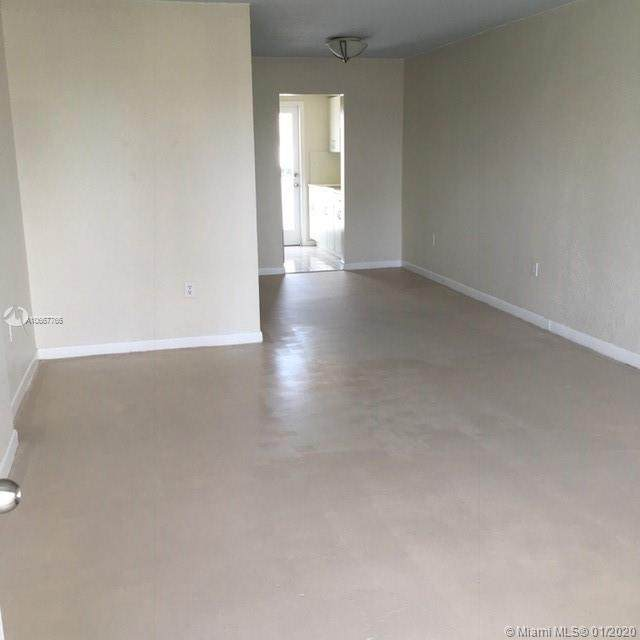 240 Collins Ave - Photo 1